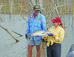Adrian Kampf's advice was vital in putting Denise Kampe onto this nice Monduran barra.